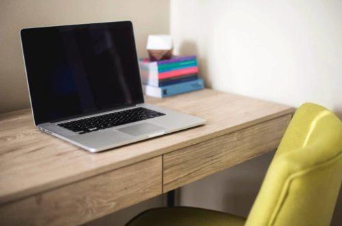 Pracovní stůl musí být vybírán pečlivě