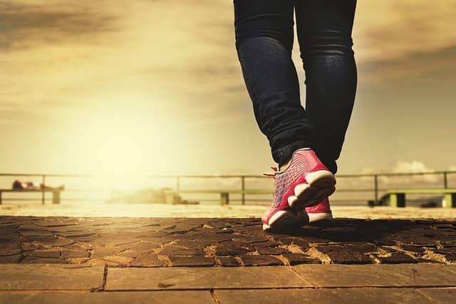Plňte denní doporučený počet kroků